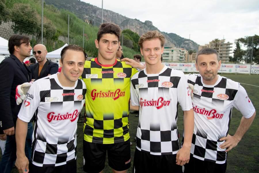 Ici à gauche, l'ex-pilote brésilien Felipe Massa était également de la partie