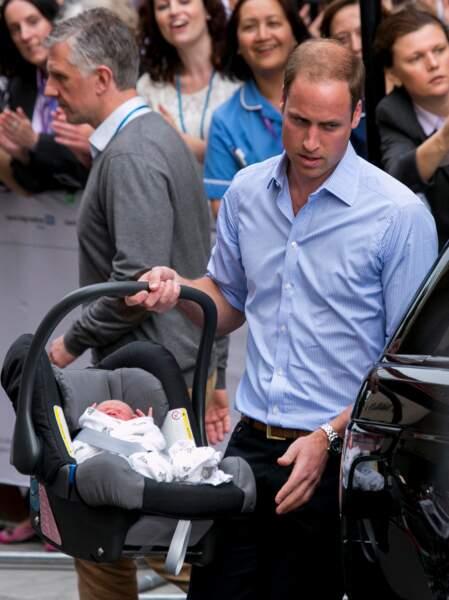 Harry jouera-t-il les pères modèles comme son frère en mettant son bébé dans sa voiture ?