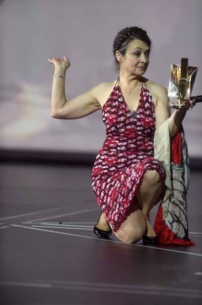 Catherine Ringer a pris la pose avec le trophée de Rachid Taha