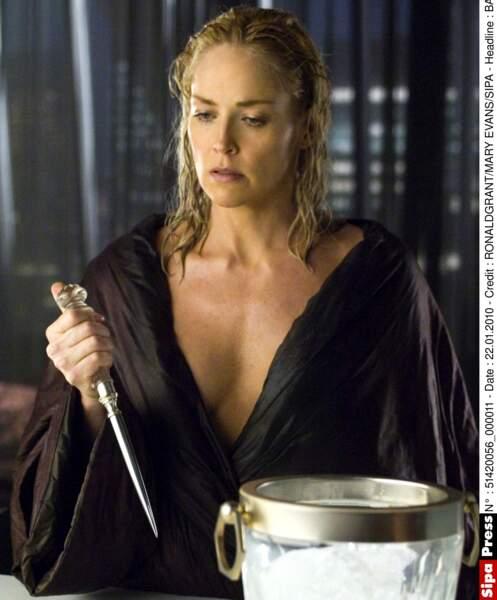 Pic à glace, attitude sexy : c'est le retour de Catherine Tramell dans Basic Instinct 2 (2006)