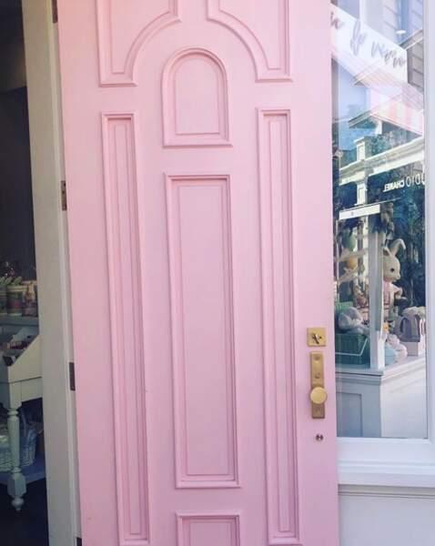 Denise Richards rêve d'une porte rose à laquelle un ange viendrait frapper...