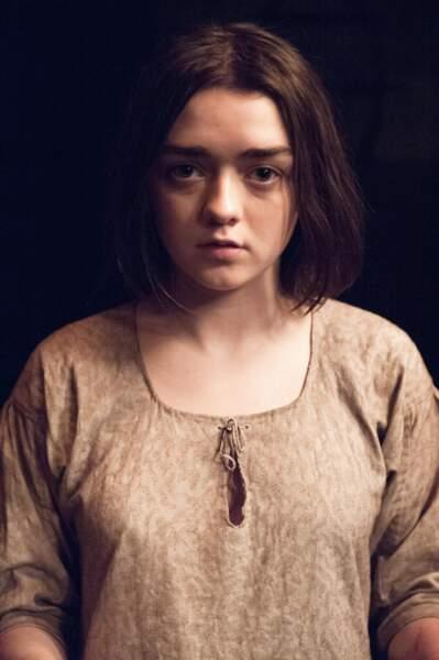 Maisie Williams joue Arya, sa jeune soeur badass.