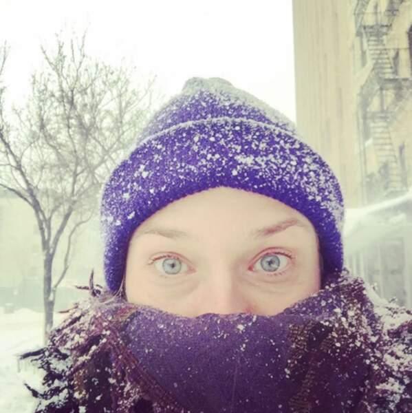 Comme tout le monde, elle s'habille chaudement quand vient le froid