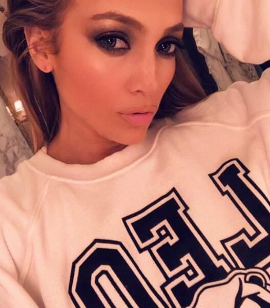 Sexy toujours avec Jennifer Lopez, canon même en simple sweat