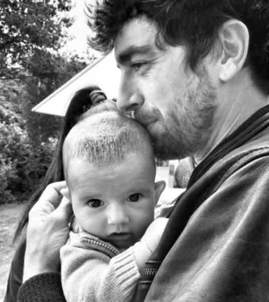 Adrian et son bébé, trop mignon !