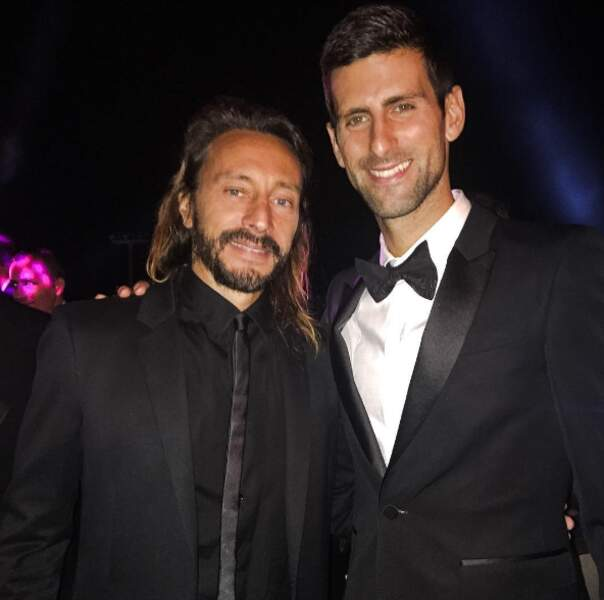 Deux beaux-gosses en costards : Bob Sinclar et Novak Djokovic, en soirée à Biot dans le sud de la France.