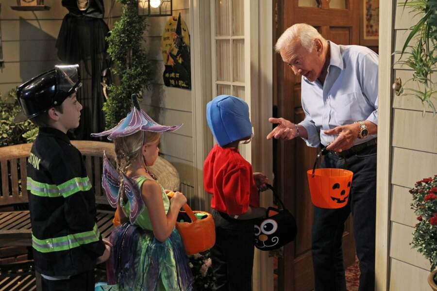 Buzz Aldrin, l'astronaute américain, a fait une apparition spéciale lors d'un épisode consacré à Halloween