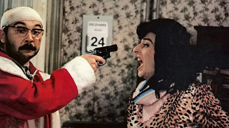 Christian Clavier, en femme fragile agressée par le Père Noël ?
