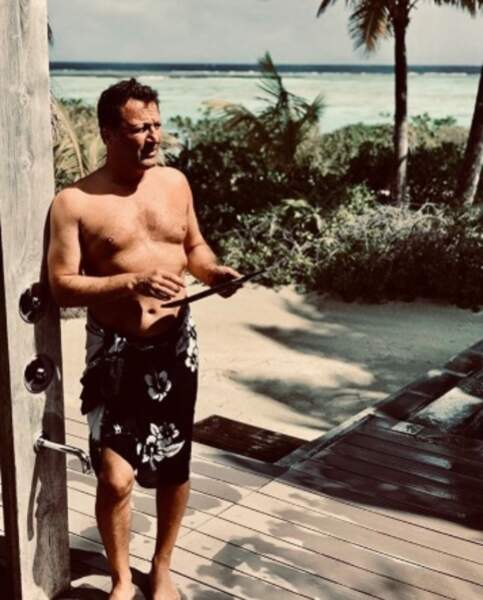 Arthur avait enfilé son plus beau paréo en Polynésie.