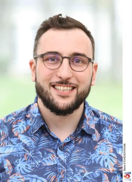 Bastien, 33 ans, est infographiste