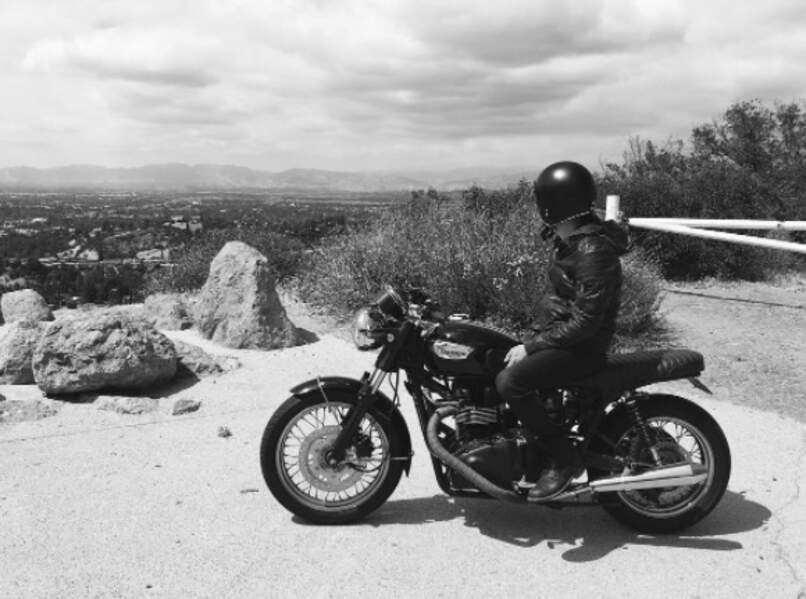 Petite virée à moto pour Paul Wesley de Vampire Diaries