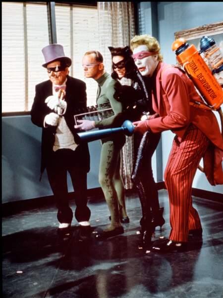 Le film s'inspire du comics éponyme de Bob Kane, Batman, et est adapté de la série télévisée du même nom