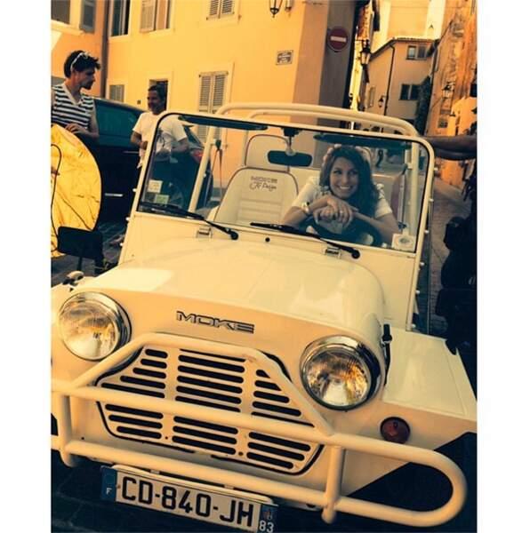 Laury Thilleman était à Saint-Tropez et elle a décidé d'être dans le cliché !