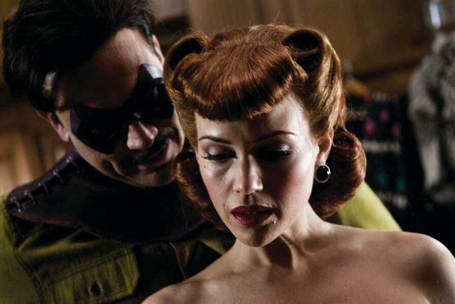 et en 2009, elle a incarné Sally Jupiter dans Watchmen : les gardiens