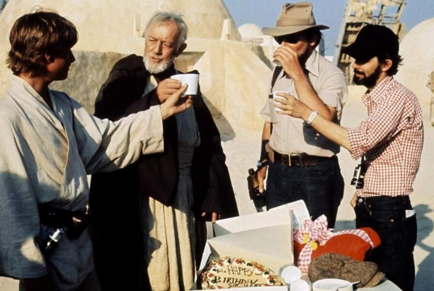 L'anniversaire d'Alec Guinness en plein désert