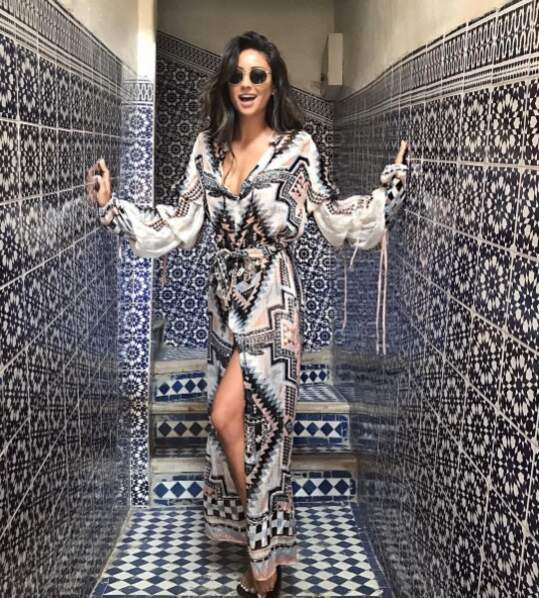 Astuce camouflage pour Shay Mitchell.