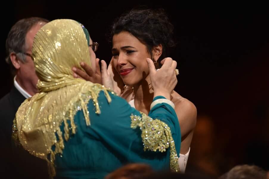 Joli moment d'émotion entre les actrices de Fatima