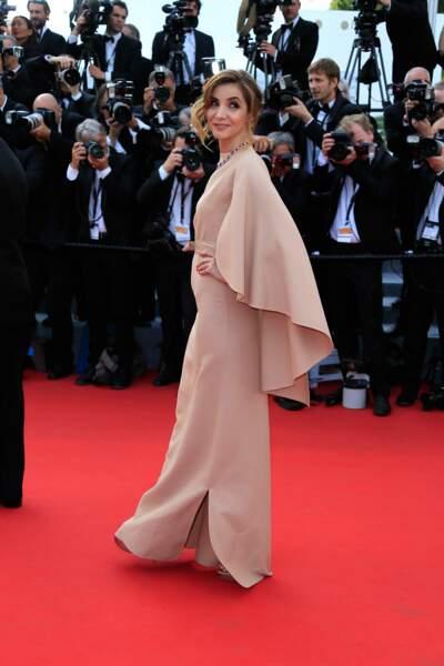 Clotilde Courau lors de la première montée des marches du Festival de Cannes 2015