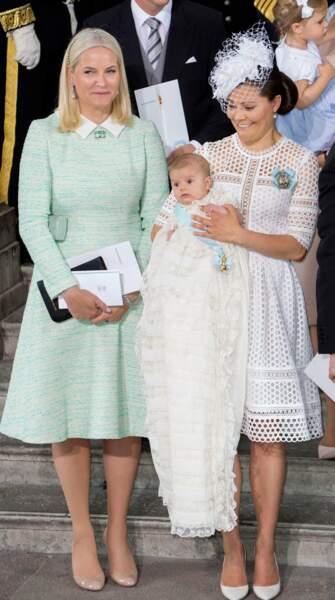 La marraine d'Oscar est la future reine de Norvège : Mette-Marit, une grande amie de maman