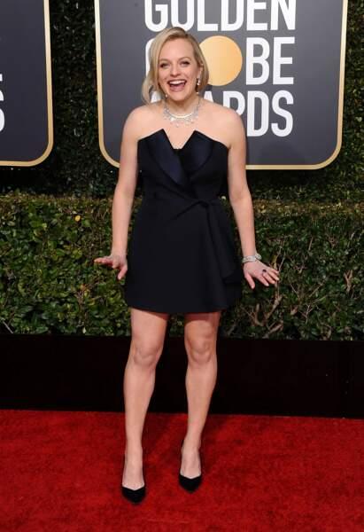 Elisabeth Moss (La servante écarlate) a troqué sa tunique rouge pour une petite robe noire