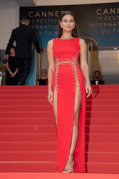 Whaou ! Mais quelle robe (et quelles jambes) !