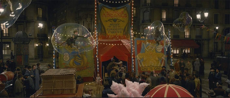 Le cirque Arcanus et son chapiteau qui ont été entièrement crée dans les studios de Leavesden près de Londres