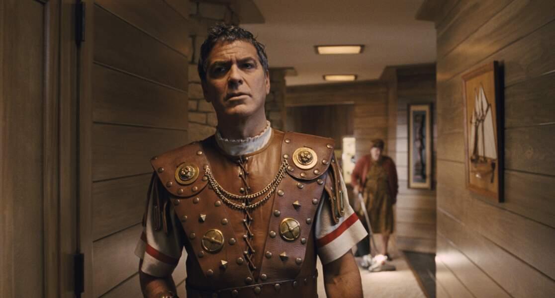 Et l'acteur qu'il joue porte plutôt pas trop mal la jupette en cuir !