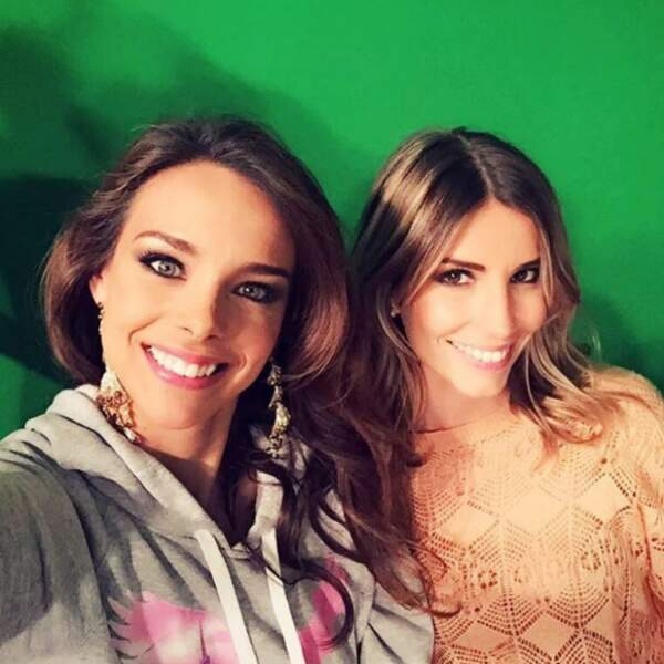 Marine Lorphelin tout sourire avec Alexandra Rosenfeld