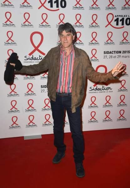 Tex, en forme, lors de la conférence de presse du Sidaction le 2 mars 2015