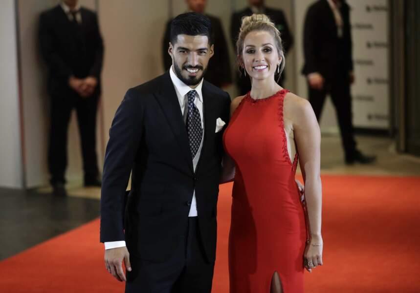 La star du Barça Luis Suarez et sa femme Sofia Balbi