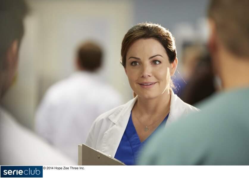 Après cela, l'actrice change de registre dans la série médicale Saving Hope