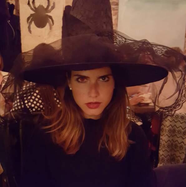 Bref, Joyce Jonathan est une fille comme les autres, qui fête Halloween avec ses copains...