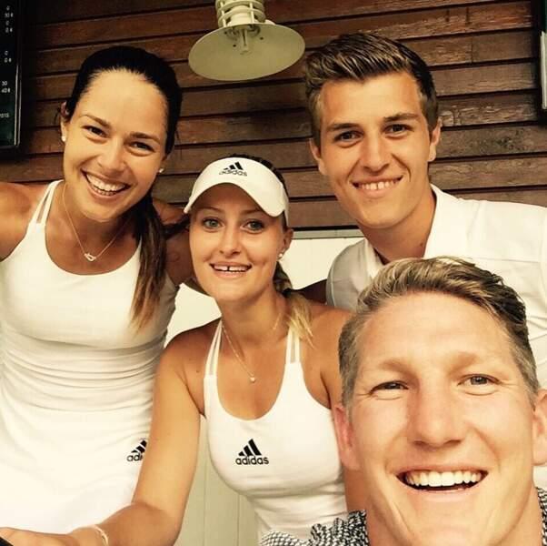 A moins que Bastian ne recrute sa douce Ana Ivanovic et sa copine Kristina Mladenovic
