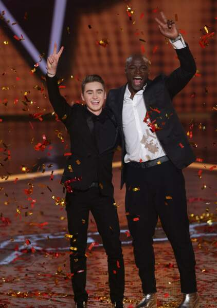 Seal, ici avec l'un de ses talents, a été coach en Australie les deux premières saisons du show