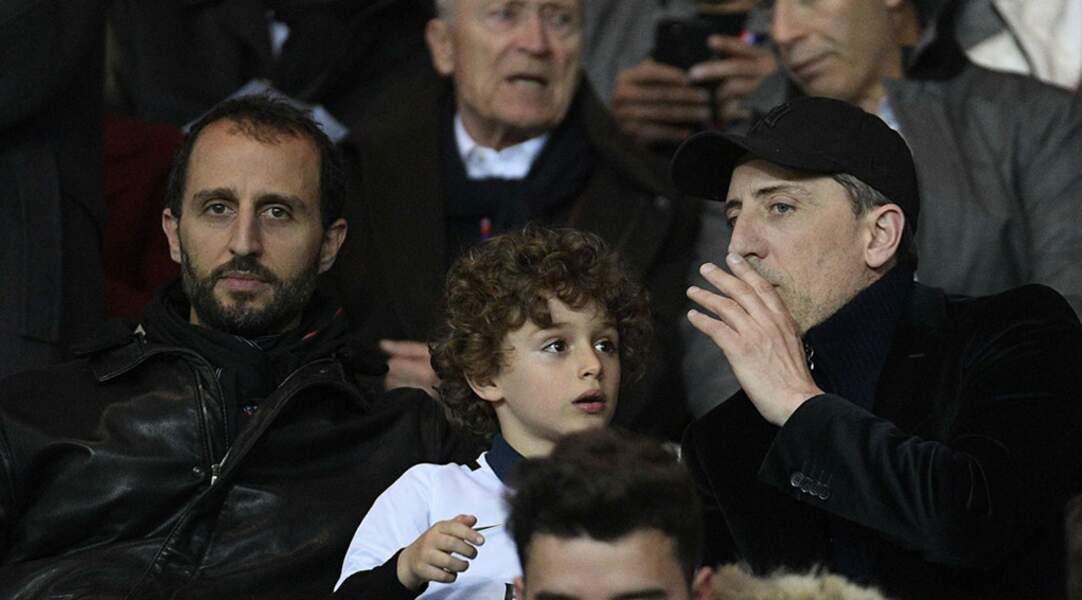 Gad Elmaleh a assité en famille à la victoire du PSG avec son frère Arié et son fils