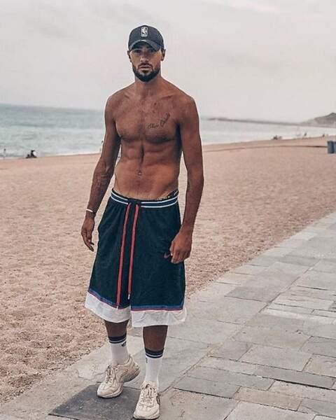 L'occasion de poser, abdos saillants, sur l'une des plages de la Costa Brava