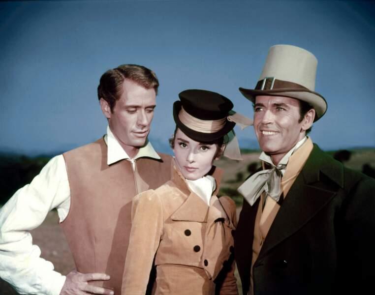 "Entre son mari Mel Ferrer et Henry Fonda, dans ""Guerre et paix"" (King Vidor, 1956)"