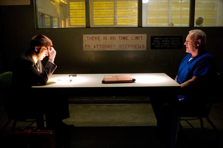 Dans La Faille (2007), il réussit même à tromper Anthony Hopkins