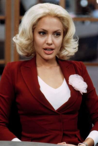 Changement de style et en blonde dans Sept jours et une vie (2002)