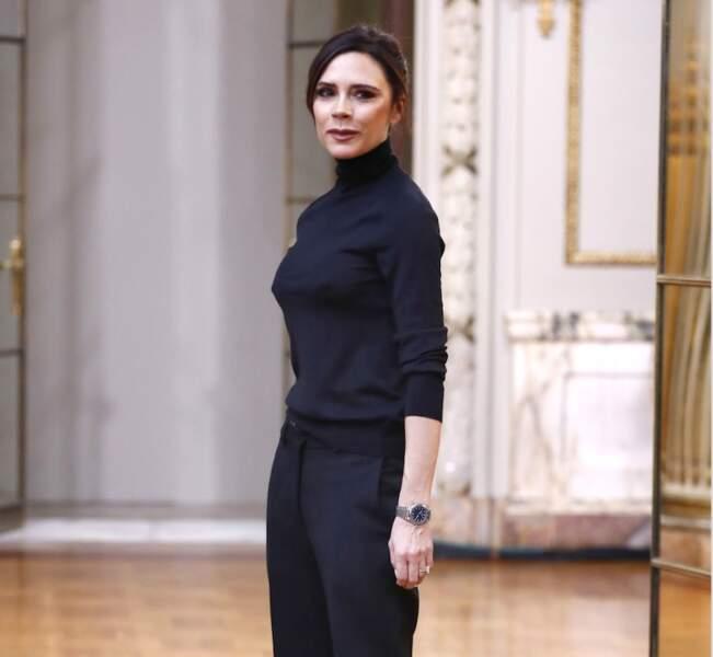 Victoria Beckham en noir…