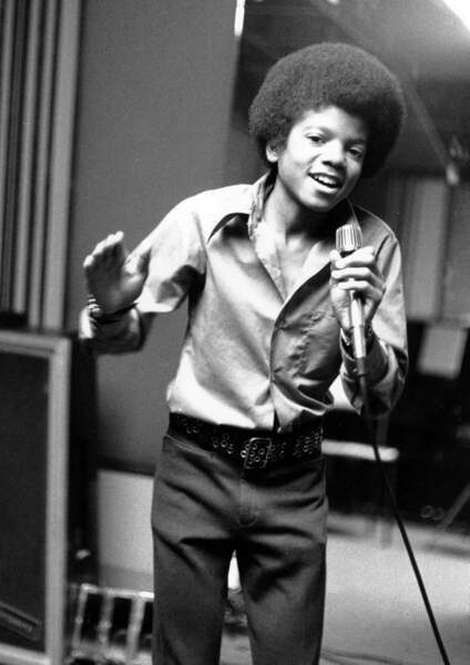 Pas besoin de présenter le Roi de la pop. Il apparaît ici à ses début, à l'époque des Jackson Five.