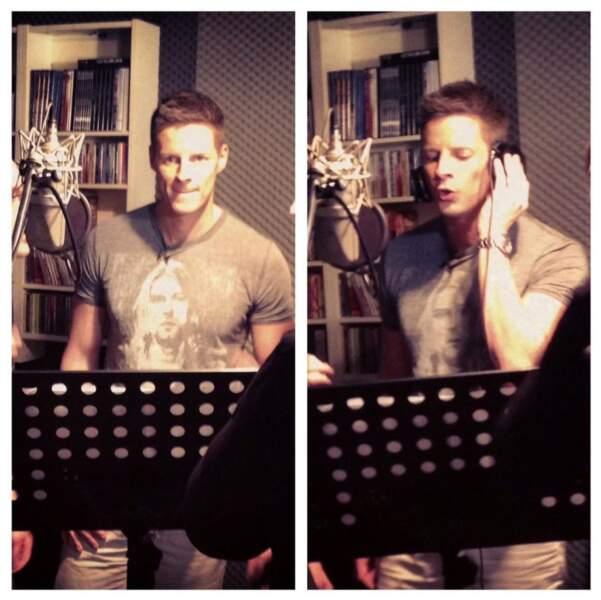 Après son rôle de présentateur, Matthieu Delormeau se lancerait-il dans la chanson ?