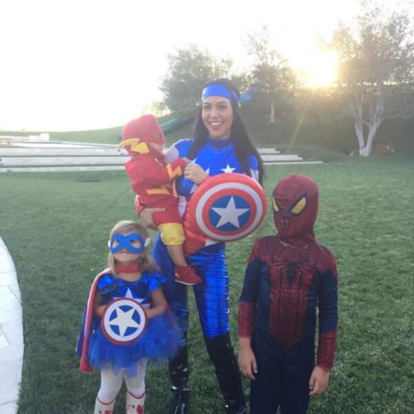 Kourtney Kardashian a réquisitionné sa tribu pour composer une team de superhéros.