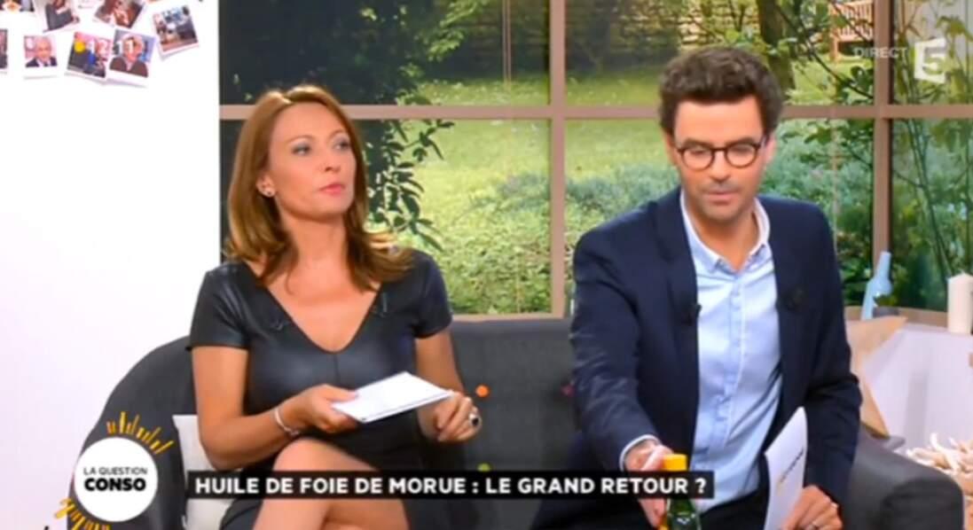 Waouh ! Valérie Durier a sorti la petite robe noir...en cuir !
