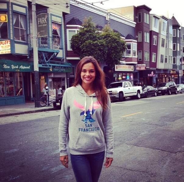 Marine Lorphelin est, elle, en vacances en Californie. Elle s'immortalise dans les rues de San Francisco...