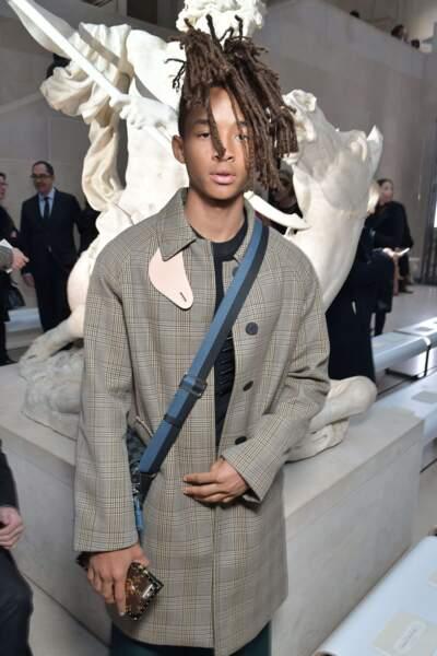 Louis Vuitton avait investi le Musée du Louvre pour son défilé. Jaden Smith y était.