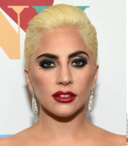 Lady Gaga (correctement) maquillée...