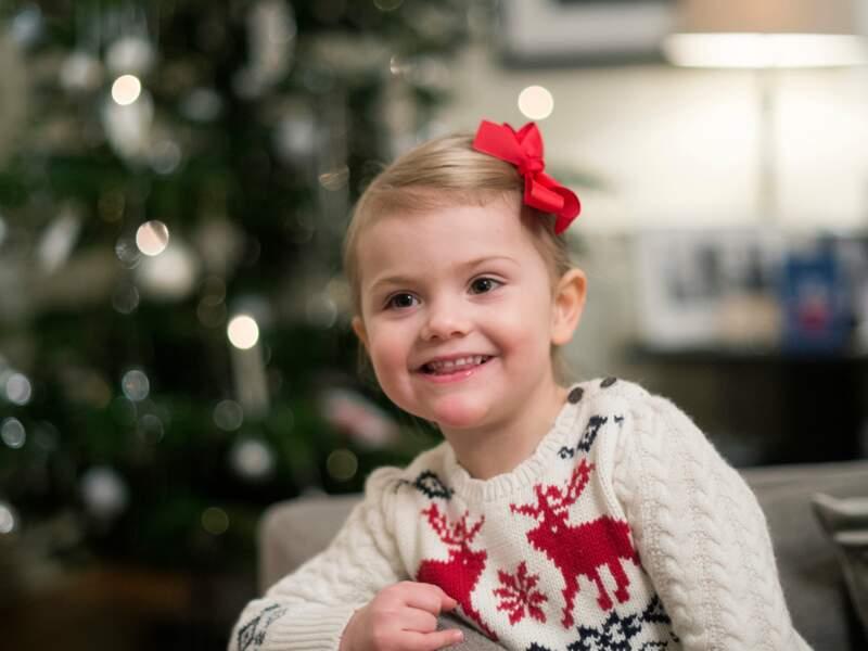 Le noeud est là : Estelle est prête à accueillir Papa Noël !