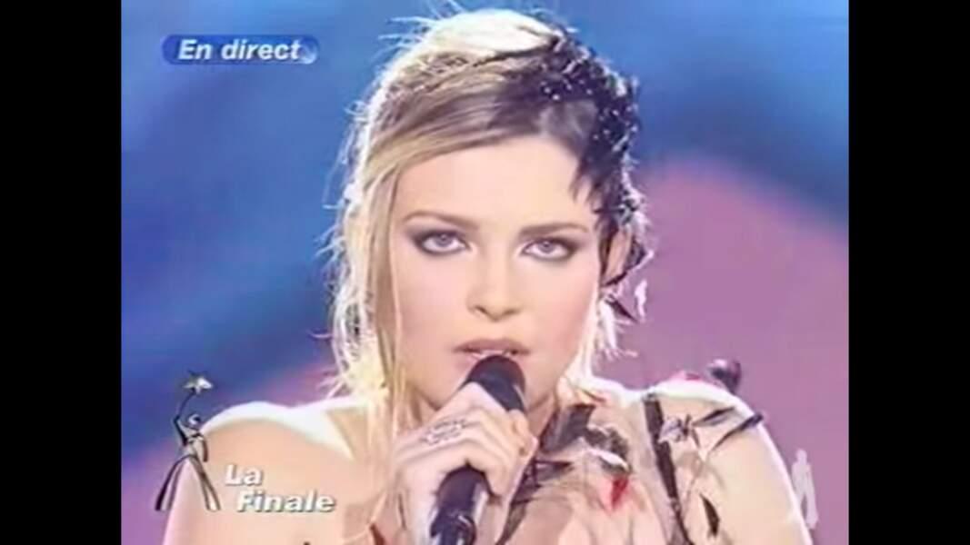 Elodie Frégé, lauréate de la troisième saison de la Star Academy en 2003