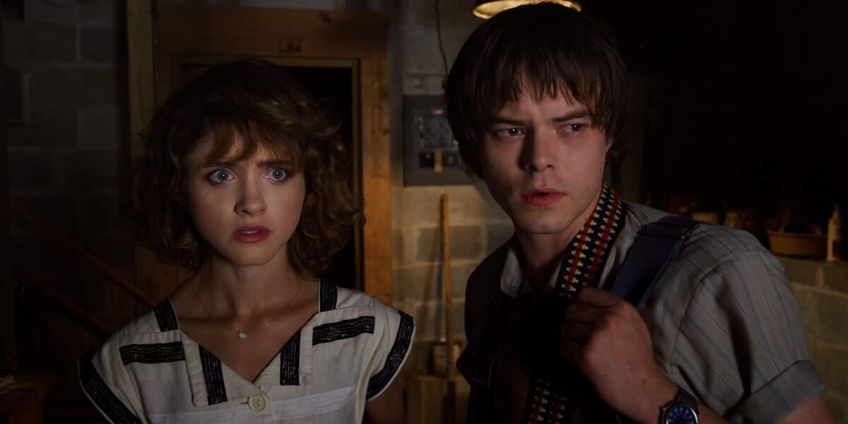 Nancy (Natalia Dyer) et Jonathan (Charlie Heaton) semblent inquiets